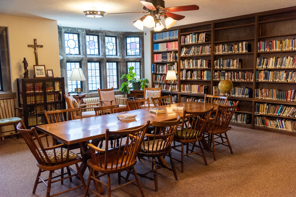 Photo of the Library at St. Margaret's House